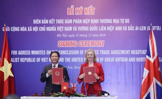 Việt Nam chính thức ký kết UKVFTA, thực thi từ 31-12-2020 ảnh 2