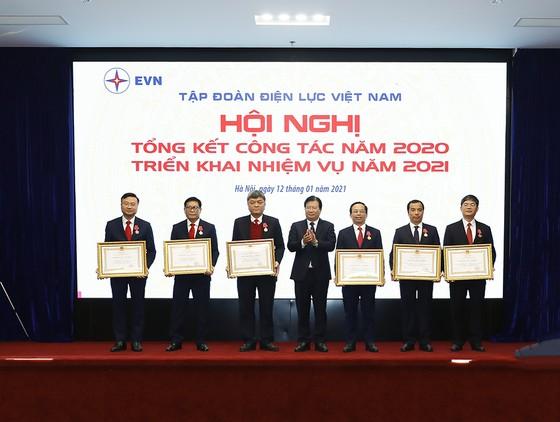 Trong năm 2020, EVN đã sản xuất và nhập khẩu 247,08 tỷ kWh ảnh 2