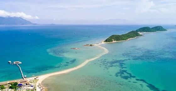 Sẽ cấp điện lưới cho 9 hòn đảo ở nước ta ảnh 2