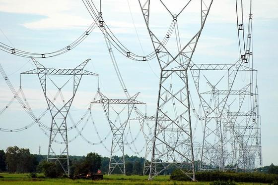 Thừa điện trong dịp Tết Nguyên đán có thể dẫn tới mất an toàn cho hệ thống điện lưới ảnh 1