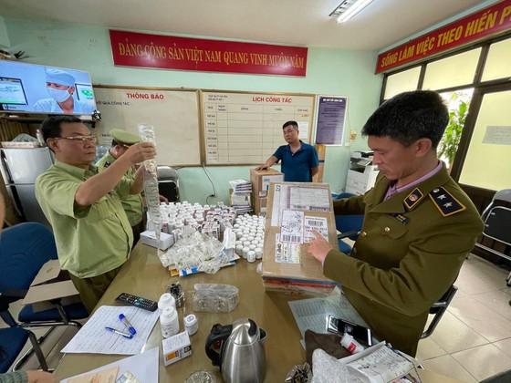 Phát hiện gần 300.000 sản phẩm thuốc nghi nhập lậu qua cảng hàng không Nội Bài ảnh 1