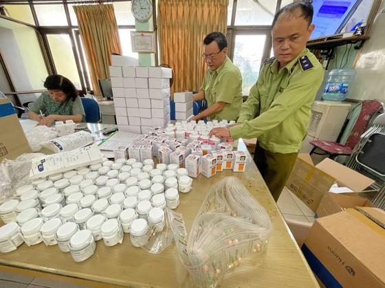 Phát hiện gần 300.000 sản phẩm thuốc nghi nhập lậu qua cảng hàng không Nội Bài ảnh 3