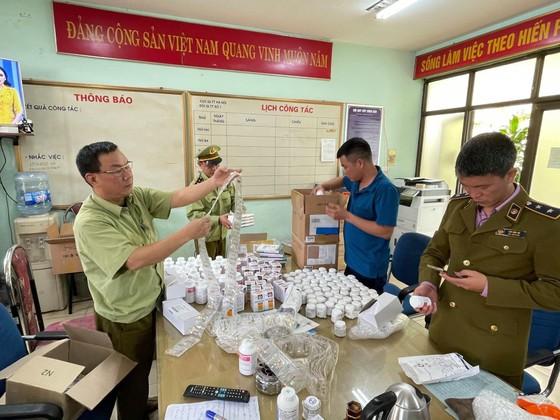 Phát hiện gần 300.000 sản phẩm thuốc nghi nhập lậu qua cảng hàng không Nội Bài ảnh 4