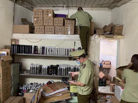 Thuê phòng trọ bán 50.000 mỹ phẩm trôi nổi cho sinh viên ảnh 1