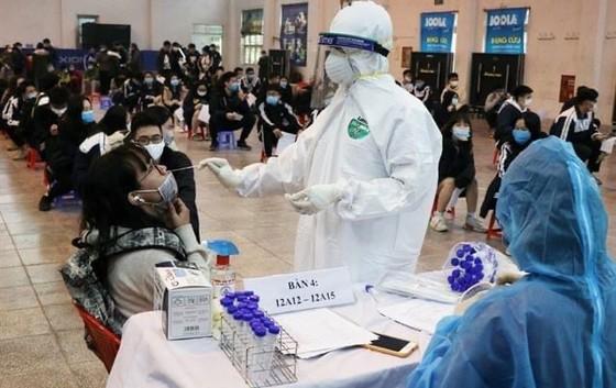 Kiến nghị sớm tiêm vaccine cho công nhân tại các nhà máy, khu công nghiệp ảnh 1