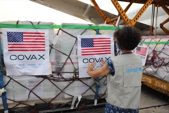 Hơn 1,5 triệu liều vaccine Moderna hạ cánh sân bay Nội Bài ảnh 1