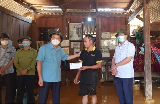Miền Bắc sạt lở nhiều nơi, Phó Thủ tướng gửi quà hỗ trợ ảnh 1