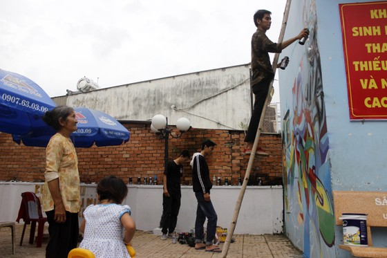 Khi người trẻ... đói sân chơi Graffiti ảnh 1