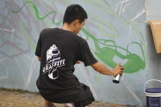 Khi người trẻ... đói sân chơi Graffiti ảnh 9