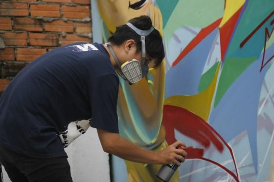 Khi người trẻ... đói sân chơi Graffiti ảnh 2