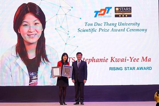 4 nhà khoa học xuất sắc quốc tế nhận giải thưởng TDTU PRIZE ảnh 2
