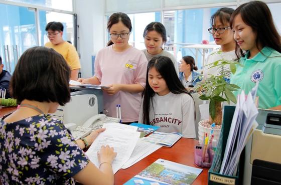 Trường ĐH Công nghiệp Thực phẩm TPHCM công bố điểm sàn xét tuyển từ 15 đến 17 điểm ảnh 1