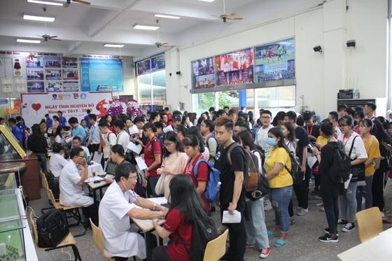 Hơn 2.000 giảng viên, sinh viên hiến máu nhân đạo ảnh 2