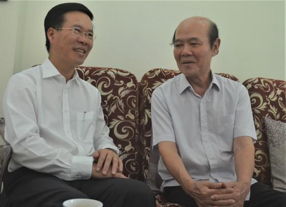 Đồng chí Võ Văn Thưởng thăm, chúc Tết gia đình GS-TSKH Lê Ngọc Trà ảnh 2