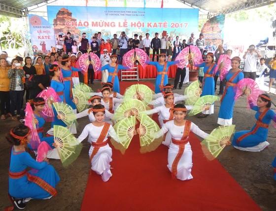 Tưng bừng Lễ hội Katê của đồng bào Chăm Bình Thuận ảnh 1