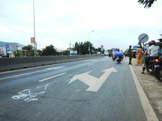 Tai nạn giao thông thảm khốc ở Bình Thuận, 2 người chết, 3 người bị thương nặng ảnh 1