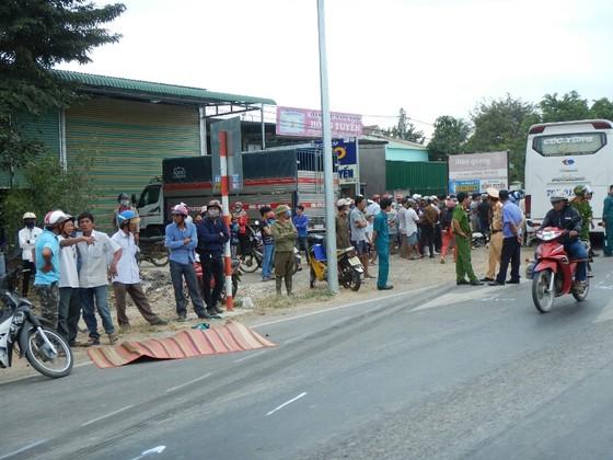 Tai nạn giao thông thảm khốc ở Bình Thuận, 2 người chết, 3 người bị thương nặng ảnh 2