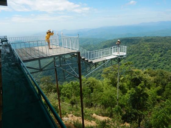 Nhiều trạm dừng chân xây dựng trái phép trên đèo Đại Ninh vẫn ngang nhiên tồn tại ảnh 2