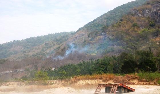 Khống chế vụ cháy rừng tại Khu bảo tồn thiên nhiên Tà Cú ảnh 4
