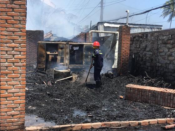 Cháy lớn thiêu rụi khu nhà hàng, quán bar ở 'thủ đô' resort ảnh 2