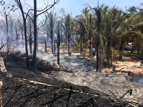 Cháy lớn thiêu rụi khu nhà hàng, quán bar ở 'thủ đô' resort ảnh 3