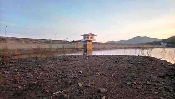 Hàng chục ngàn người thiếu nước sinh hoạt, Bình Thuận công bố tình huống khẩn cấp ảnh 1