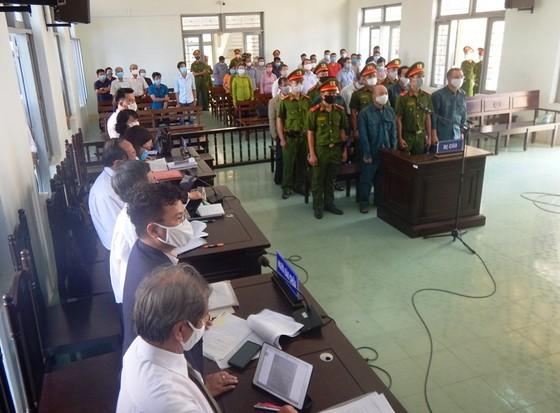 Xét xử 6 bị cáo nguyên là Chủ tịch, Phó Chủ tịch và lãnh đạo các phòng chuyên môn UBND TP Phan Thiết ảnh 1