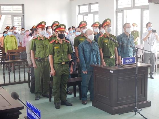 Xét xử 6 bị cáo nguyên là Chủ tịch, Phó Chủ tịch và lãnh đạo các phòng chuyên môn UBND TP Phan Thiết ảnh 2