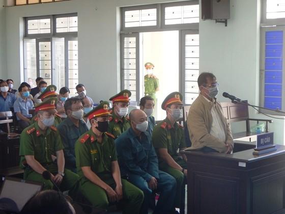 Xét xử 6 bị cáo nguyên là Chủ tịch, Phó Chủ tịch và lãnh đạo các phòng chuyên môn UBND TP Phan Thiết ảnh 4