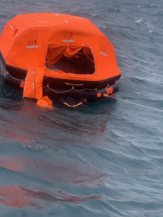 Vụ tàu của Panama chìm trên biển Phú Quý: Đã tìm thấy 10 thủy thủ, 5 người còn mất tích ảnh 3