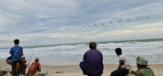 7 du khách tắm biển gặp sóng lớn, 2 người mất tích ảnh 1