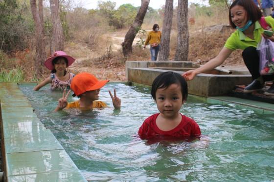 Khám phá suối nước nóng 87°C ở Bình Thuận ảnh 12