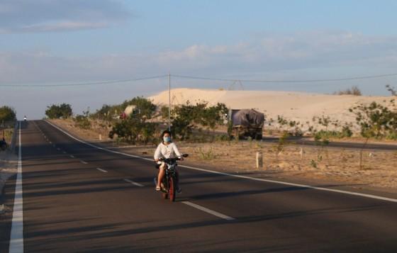 Nhức nhối nạn đua xe trái phép trên cung đường 'tiểu sa mạc' Hòa Thắng - Hòa Phú ảnh 5