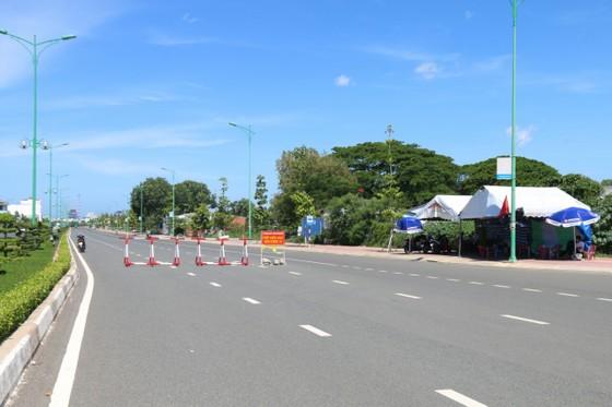 Bình Thuận ghi nhận 5 ca nghi mắc Covid-19, thực hiện giãn cách xã hội TP Phan Thiết và huyện Tuy Phong ảnh 2