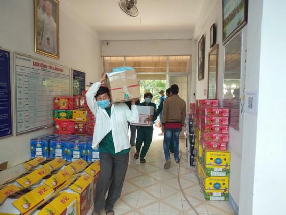 Bình Thuận đưa nước mắm, cá khô, thanh long,.. đến người dân TPHCM và tỉnh Bình Dương ảnh 1