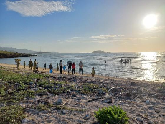 Tìm thấy thi thể 2 thanh niên ở Ninh Thuận đi câu cá bị rơi xuống biển ảnh 2