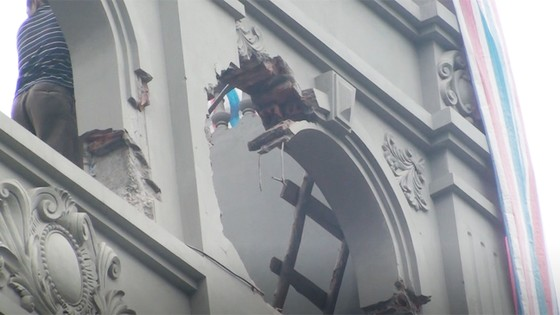 Cảnh biệt thự của gia đình nguyên Cục trưởng C50 bị phá dỡ phần xây trái phép ảnh 5