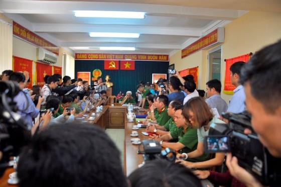 """Thiếu tướng Phan Anh Minh: Nhóm trộm rút dao tấn công các """"hiệp sĩ"""" diễn ra chỉ trong 13 giây ảnh 1"""