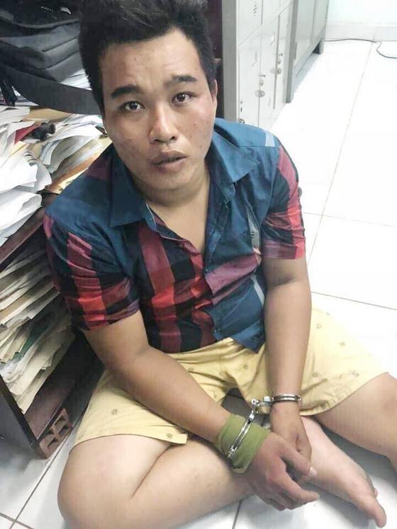 """Thiếu tướng Phan Anh Minh: Nhóm trộm rút dao tấn công các """"hiệp sĩ"""" diễn ra chỉ trong 13 giây ảnh 7"""