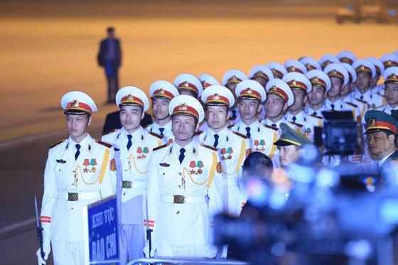 Tổng thống Mỹ Donald Trump đã đến Hà Nội ảnh 7