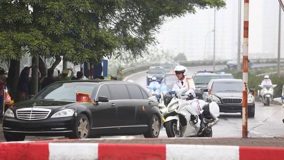 Đoàn xe ông Kim Jong-un tới Hà Nội ảnh 1