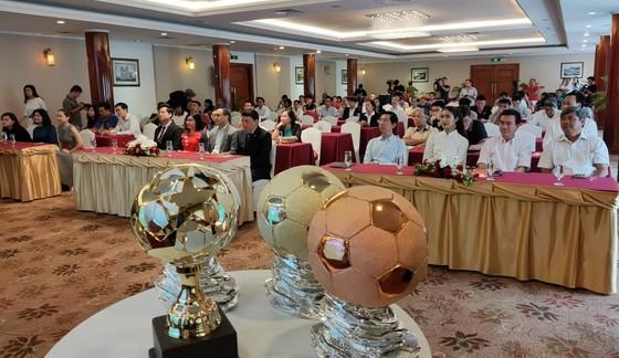 Họp báo công bố kế hoạch tổ chức giải thưởng Quả bóng Vàng Việt Nam 2019 ảnh 1