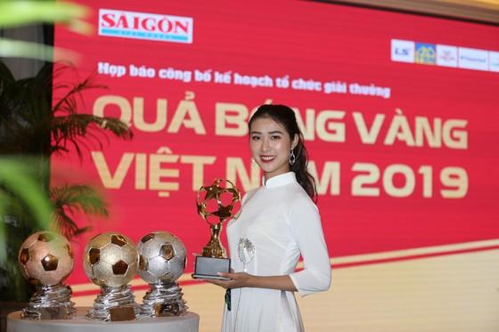 Họp báo công bố kế hoạch tổ chức giải thưởng Quả bóng Vàng Việt Nam 2019 ảnh 11