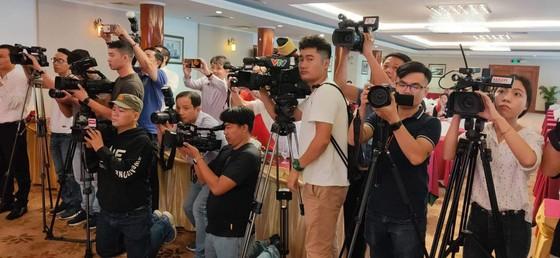 Họp báo công bố kế hoạch tổ chức giải thưởng Quả bóng Vàng Việt Nam 2019 ảnh 7