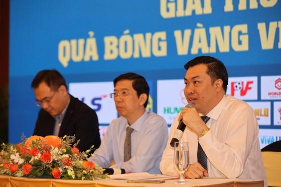 Họp báo công bố kế hoạch tổ chức Giải thưởng Quả bóng Vàng Việt Nam 2020 ảnh 8