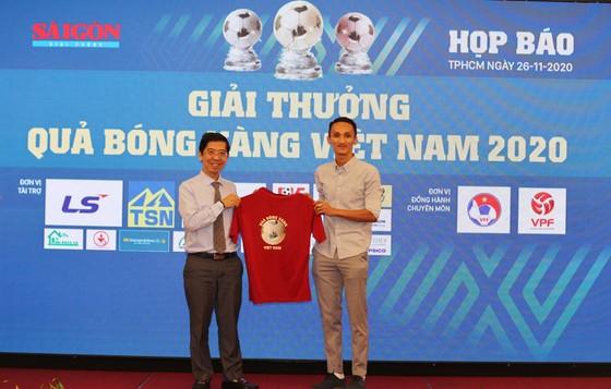 Họp báo công bố kế hoạch tổ chức Giải thưởng Quả bóng Vàng Việt Nam 2020 ảnh 18