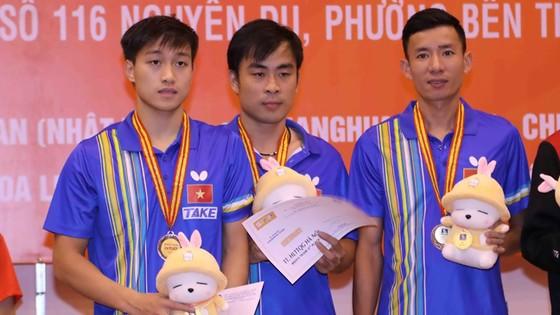 Việt Nam xếp thứ ba nội dung đồng đội.