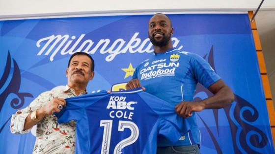 Cole vẫn chưa thể ghi nổi một bàn kể từ khi ký hợp đồng.