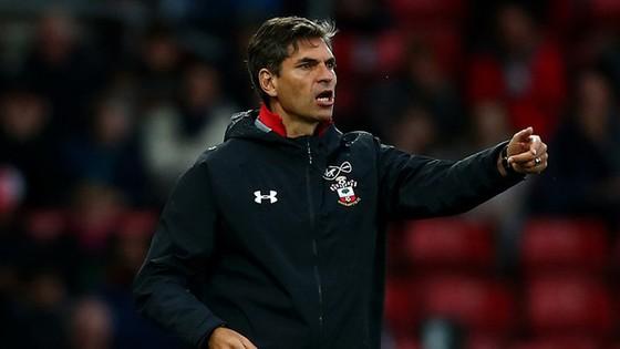 HLV Pellegrino vẫn đang loay hoay tìm sự ổn định tại Southampton.