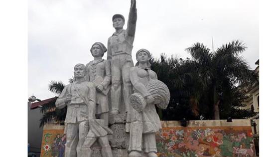 Bắc Kạn thông tin về vụ việc bức tượng gãy đổ gây thương tích cho bé trai ảnh 1
